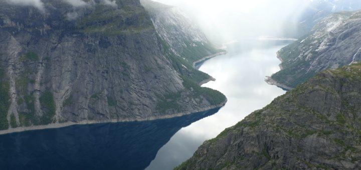 Tjen penger på underholdning: topp 3 casinoer med nordiske motiver